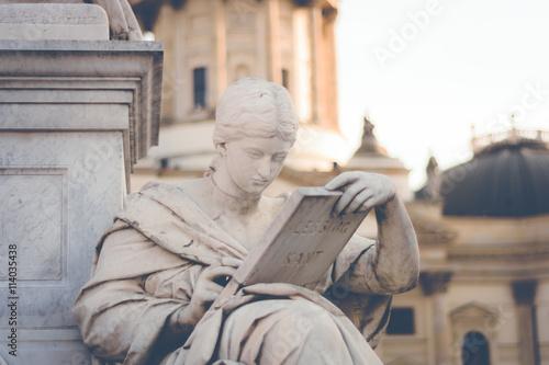 Berlin Statue - 114035438