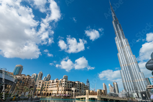 Canvas DUBAI - NOVEMBER 22, 2015: Burj Khalifa tower. This skyscraper i