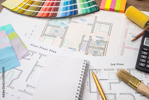 Obraz Color samples with house plan, calculator and pen - fototapety do salonu