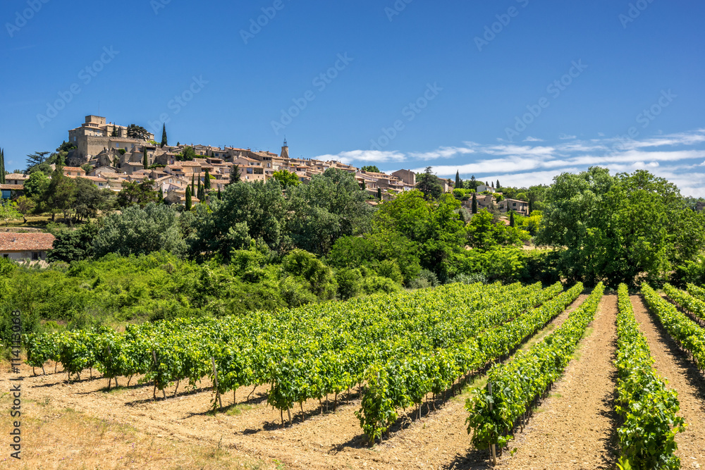 Fototapety, obrazy: The hill top of village of Ansouis in the Luberon Provence