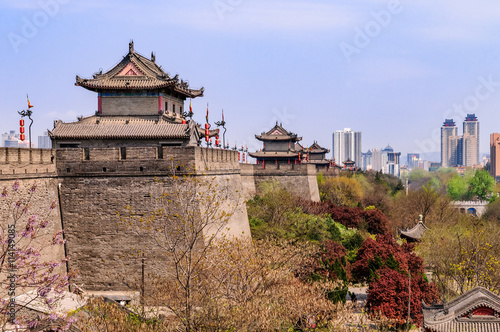 Denkmalgeschützte historische Stadtmauer der alten Kaiserstadt Xi'an