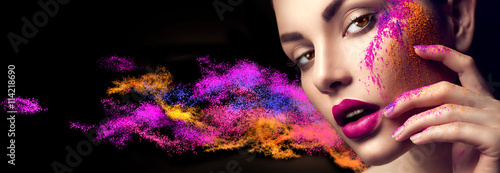 Obraz Beauty woman with bright color makeup - fototapety do salonu