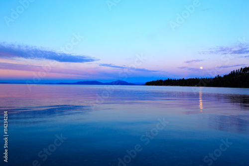 Photo sur Aluminium Piscine Sunset over Flathead Lake.