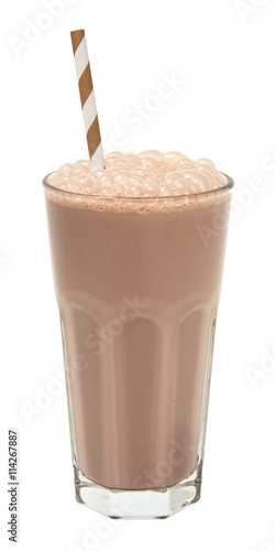 Spoed Foto op Canvas Milkshake chocolate milkshake in a tall glass isolated