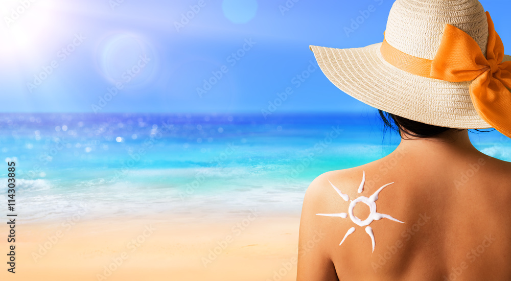 Fototapety, obrazy: Woman With Suntan Lotion Shaped Sun