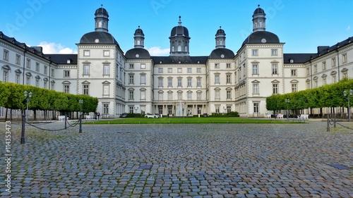 Montage in der Fensternische Schloss Schloss Bensberg vom Eingang aus