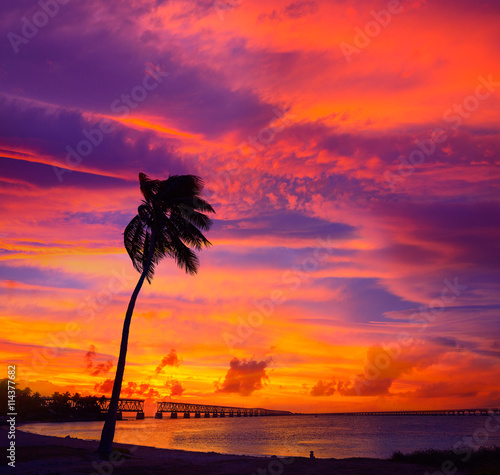 La pose en embrasure Rouge Florida Keys old bridge sunset at Bahia Honda