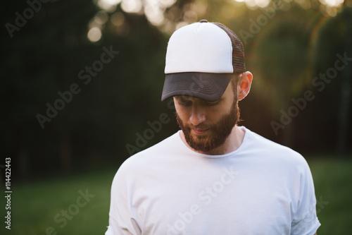 Fotografía  Baseball cap empty mock up