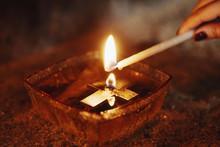 Cross Candle