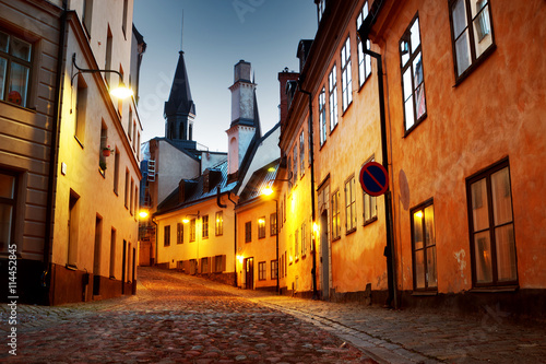 Photo  Street in old town Stockholm at night in summer