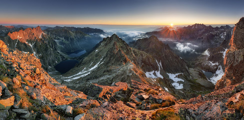 Fototapeta Do hotelu Landscape mountain in Tatras, peak Rysy, Slovakia and Poland