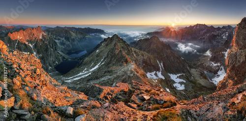 Pejzaż górski w Tatrach, szczyt Rysów, Słowacja i Polska