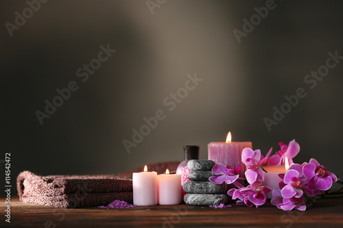 Stickers pour porte Spa Beautiful spa composition on dark background
