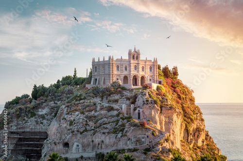 Photo  Santa Maria dell'Isola at sunset - Tropea, Calabria, Italy