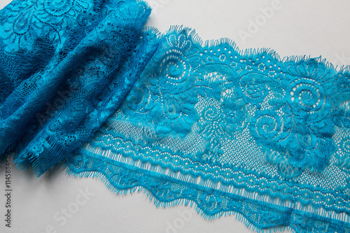 Spoed Foto op Canvas Kristallen blue lace lying