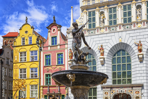 Neptune's Fountain and gothic houses in Gdansk, Poland Canvas-taulu
