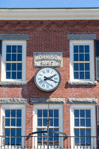 Fotografie, Obraz  Clock on Morrison Building