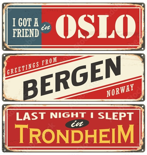 Photo  Vintage signs collection with cities and tourist attractions in Norway