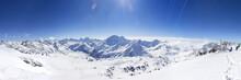 Горы Кавказа. Вид на гору Чегет