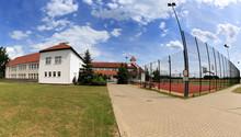 Boisko Sportowe, Budynek Pańs...