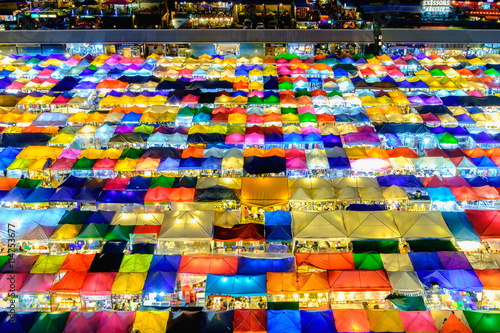 Foto op Plexiglas Wand Night market train a second-hand market