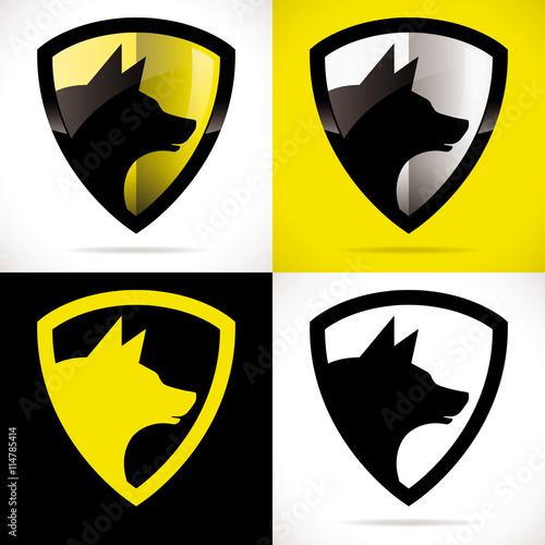 logo chien sécurité protection bouclier loup jaune