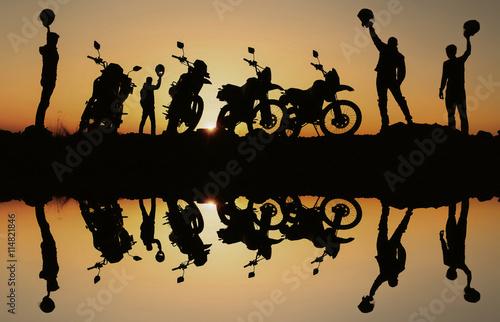 obraz PCV hedef sevinci yaşayan motorsikletçiler