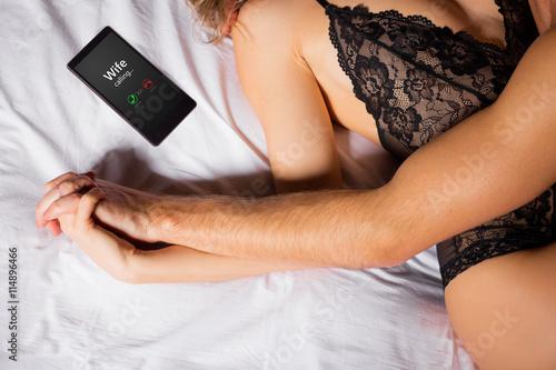 Man betrügt seine Frau Fototapete