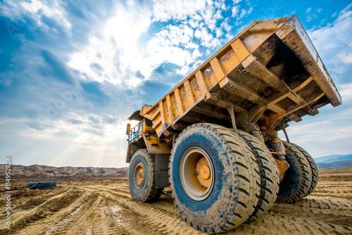 Fotografia, Obraz  Big yellow mining truck