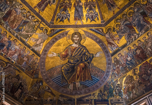 Plakat Wspaniały mozaikowy sufit baptysterium San Giovanni we Florencji