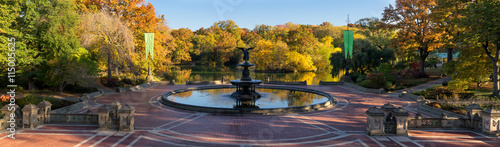 фотография Sunrise in Central Park at Bethesda Fountain with The Lake and colorful Fall foliage