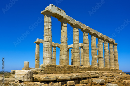 In de dag Rudnes Greece. Cape Sounion - Ruins of an ancient Greek temple of Poseidon