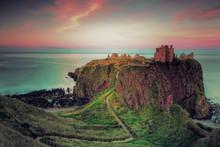 Château écossais Au Crépuscule: Dunnottar Castle - Ecosse