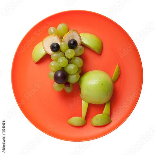 pies-z-owocow-w-pomaranczowym-kole
