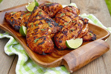 Grilled chicken breast with lime