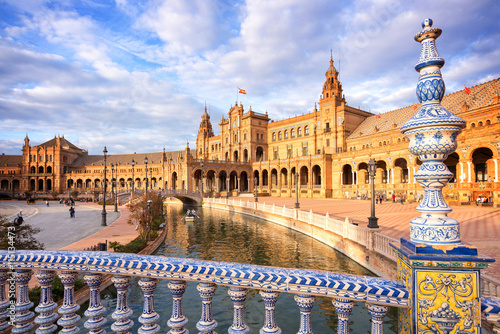 Foto  Plaza de Espana (Spain square) in Seville, Andalusia