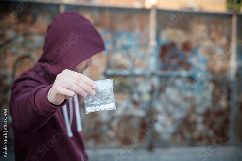 Foto Pusher Verkauf und Trafficking Medikamentendosis