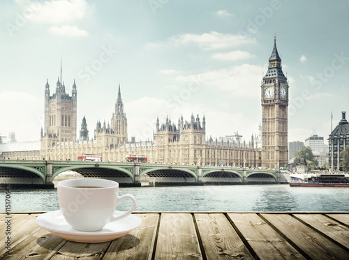 Poster Londres Big Ben and cup of coffee, London, UK