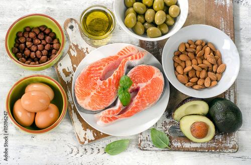 Deurstickers Verse groenten Good fat sources.