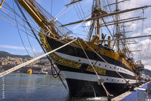 Tablou Canvas Ropes and wood on the ship Amerigo Vespucci in Italy