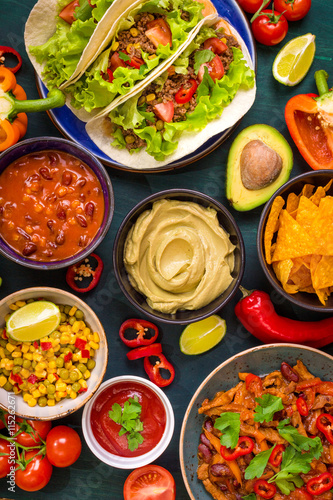 Tuinposter Grill / Barbecue Mixed mexican food