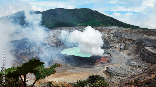 Spoed Foto op Canvas Vulkaan Caldera of Active Volcano Poas, Coast Rica