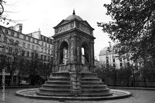 Foto op Canvas Fontaine La Fontaine des Innocents à Paris