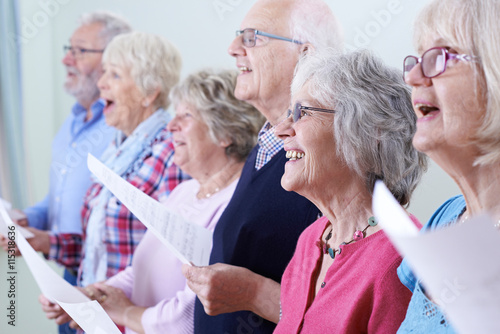 Canvas Print Group Of Seniors Singing In Choir Together