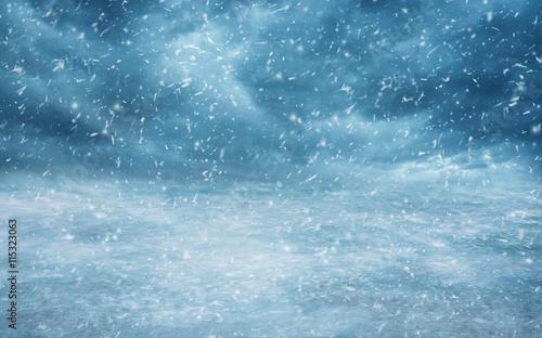 Himmel mit Schneefall und Wolken Wallpaper Mural