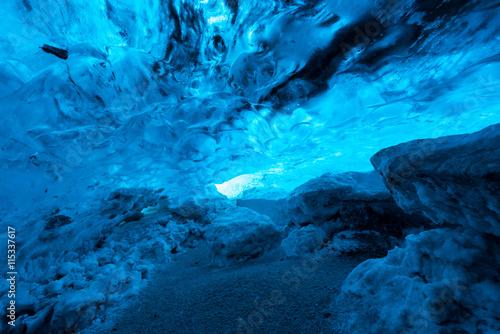 Papiers peints Arctique Crystal ice cave, Iceland