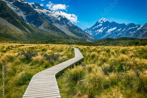 fototapeta na lodówkę Mount cook from the Hooker Valley, Mt cook is New Zealand highest Mountain