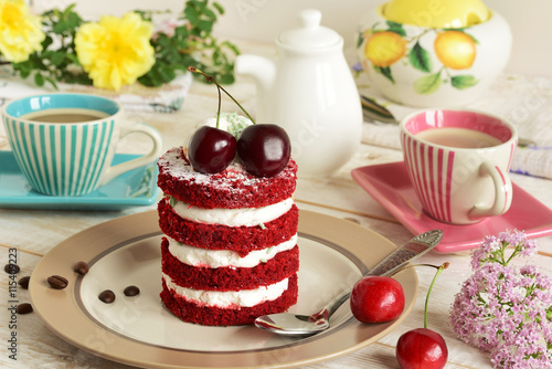 fototapeta na lodówkę red cake with cherry