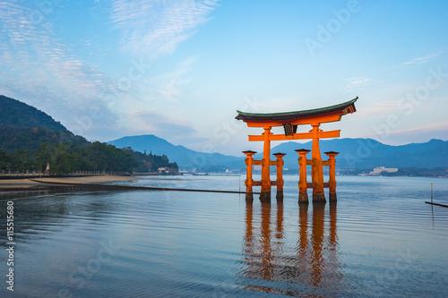Foto op Canvas Japan The Floating Torii gate in Miyajima, Japan