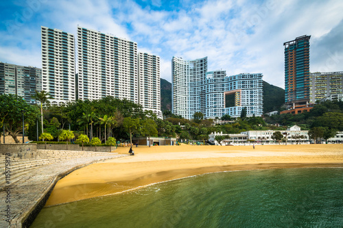 Fotografija  Skyscrapers and beach at Repulse Bay, in Hong Kong, Hong Kong.